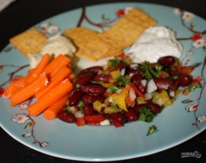 Легкий салат с фасолью - фото шаг 5