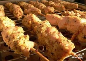 Куриный шашлык на шпажках - фото шаг 5