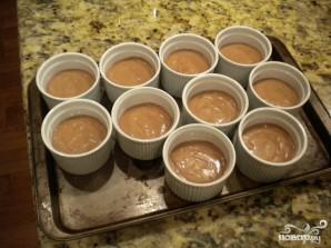 Шоколадный мусс с кремом и фисташками - фото шаг 4