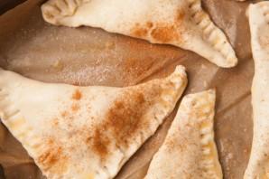 Пирожки в духовке сладкие - фото шаг 7