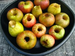 Запеченные яблоки с орехами - фото шаг 2