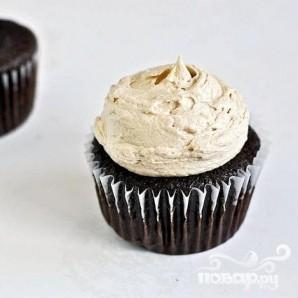 Шоколадные капкейки с арахисовым кремом - фото шаг 6