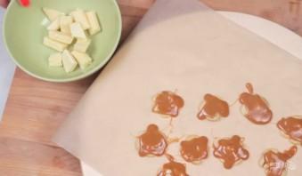 Карамельки с кешью и шоколадом - фото шаг 2