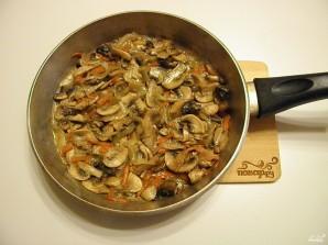 Салат с грибами и фасолью - фото шаг 5