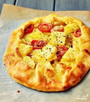 Пирог с ананасами, помидорами и сыром бри - фото шаг 9