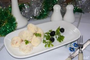 """Новогодний салат """"Снежки"""" из крабовых палочек - фото шаг 8"""