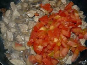 Свинина с фасолью в горшочках - фото шаг 11