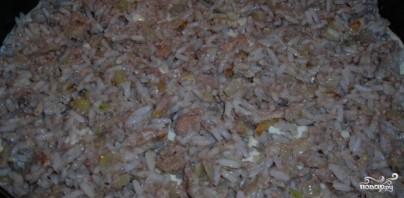 Заливной пирог с сайрой и рисом - фото шаг 5
