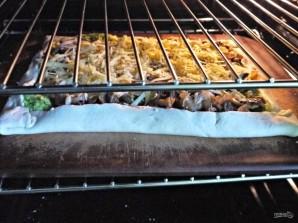 Слоеный пирог с брокколи и грибами - фото шаг 7