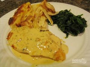 Курица в сливочном соусе на сковороде - фото шаг 4