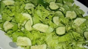 Салат из лосося горячего копчения - фото шаг 2