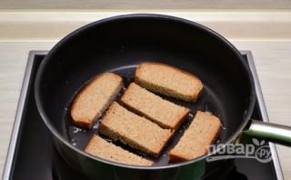 Рецепт гренок с чесноком и сыром - фото шаг 2