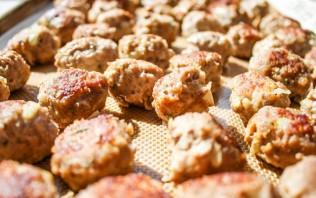 Тефтели в сливочно-грибном соусе - фото шаг 7