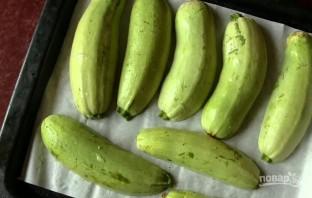 Кабачки, запеченные с фаршем в духовке - фото шаг 2