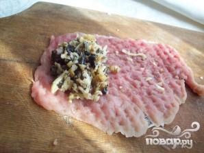 Свиные рулеты с сыром и грибами - фото шаг 4