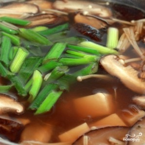Суп с грибами шиитаке - фото шаг 4