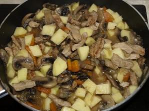 Рагу с мясом и грибами - фото шаг 6