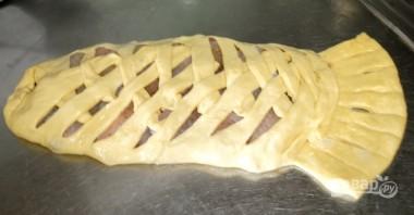 Пирог с рыбой из дрожжевого теста - фото шаг 9