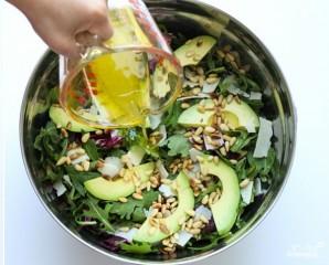 Салат с кедровыми орешками - фото шаг 5