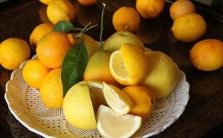 Салат крабовый с апельсинами - фото шаг 1