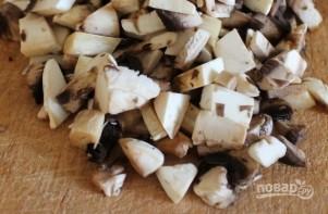 Рулетики из куриной грудки с грибами - фото шаг 2