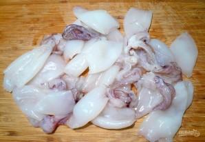 Салат с кальмарами и огурцами - фото шаг 1