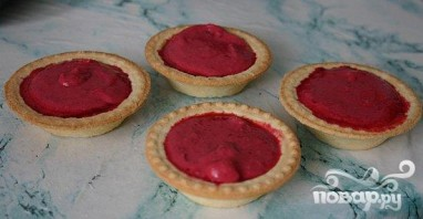 Холодные пирожные из вишни в тарталетках - фото шаг 3