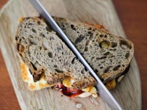 Бутерброды с баклажанами и чесноком - фото шаг 5