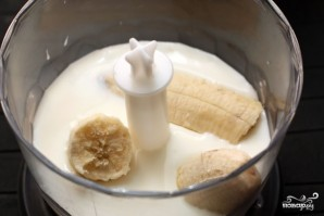 Бананово-молочный коктейль - фото шаг 1