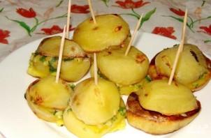 Молодая картошка, запеченная в духовке с салом - фото шаг 3