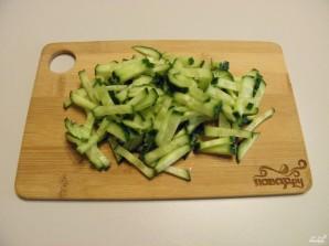 Салат с копченой курицей и корейской морковью - фото шаг 3