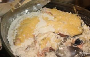 Рыба под сливочным соусом в духовке - фото шаг 5