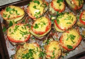 Свинина, запеченная с грибами помидорами и сыром - фото шаг 6