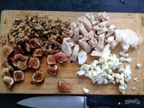 Салат с инжиром и курицей - фото шаг 3