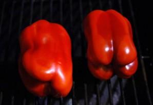 Окра с жареным красным перцем - фото шаг 1
