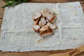 Шаверма с пикантной курочкой и чесночным соусом - фото шаг 8
