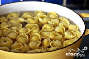 Колбаса с грибами и тортеллини - фото шаг 3
