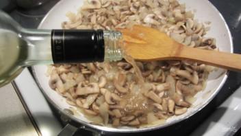 Жульен с грибами классический - фото шаг 3