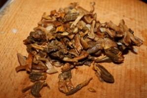 Лисички, жареные с рисом - фото шаг 2
