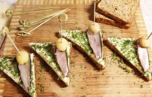 Бутерброды с килькой - фото шаг 6