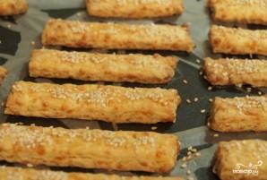 Сырное печенье с кунжутом - фото шаг 9