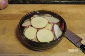 Жареная картошечка с луком - фото шаг 1