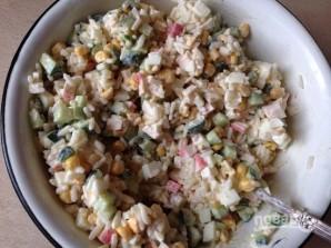 Крабовый салат с рисом - фото шаг 6