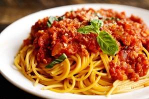 Спагетти со свининой в томатном соусе - фото шаг 8