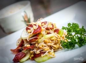 Салат из копченой колбасы - фото шаг 5