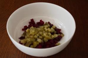 Салат с языком и сыром - фото шаг 2