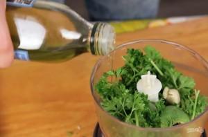 Легкий салат с кешью и чудо-соусом - фото шаг 2