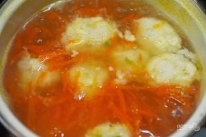 Куриный суп с рисово-сырными клецками - фото шаг 5