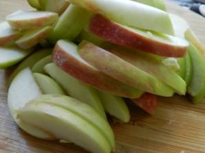 Медовая шарлотка с яблоками - фото шаг 5