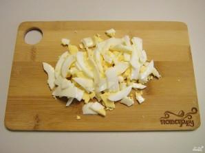 Салат с мидиями - фото шаг 3